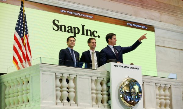 Snap, casa matriz de Snapchat, entró en Wall Street y su acción sube 44%