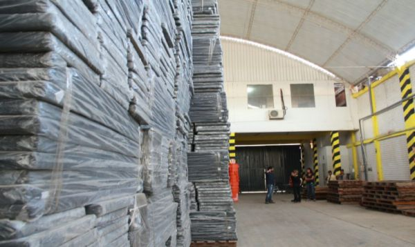 Se destinarán más de 18,000 colchones para atender a población afectada en Piura