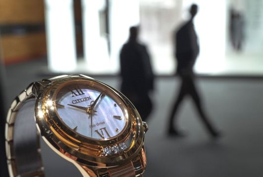 Suiza celebra su prestigiosa feria de relojes Baselworld - Noticias de breitling
