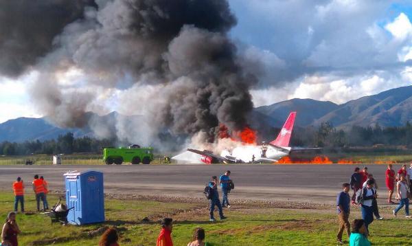 Avión de Peruvian Airlines se incendia en Aeropuerto de Jauja - Noticias de peruvian airlines