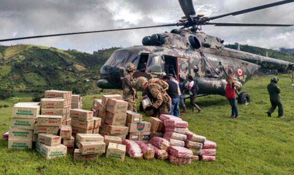 Ayabaca recibe por primera vez en su historia helicóptero con ayuda humanitaria