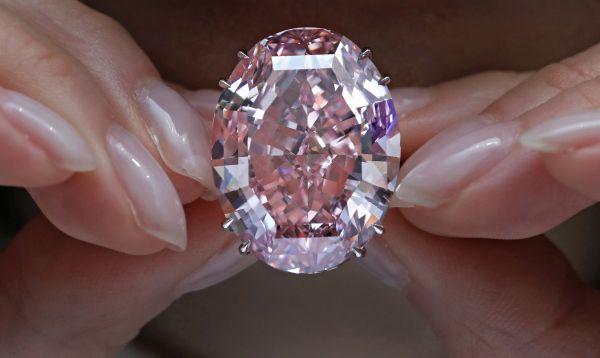 Subastan diamante por récord de US$ 71.2 millones - Noticias de estrella rosa