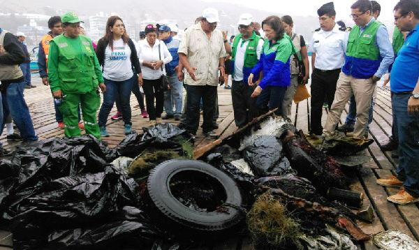 Cuatro toneladas de basura fueron retiradas del fondo marino de la Bahía de Ancón - Noticias de elsa galarza