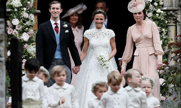 Pippa Middleton, de dama de honor del príncipe Guillermo a novia en el altar - Noticias de james sedano