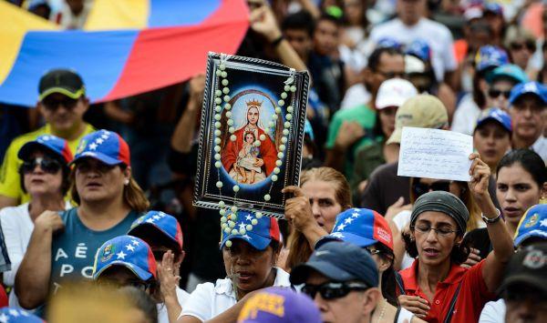 Venezuela: Activistas de la oposición acuden a 'Marcha por la Fe' - Noticias de enrique iglesias