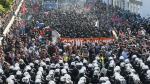 Enfrentamientos entre policías y manifestantes anti-G20 en Hamburgo - Noticias de viernes negro