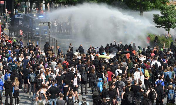 """Merkel: Manifestaciones violentas en el G20 son """"inaceptables"""" - Noticias de angela merkel"""