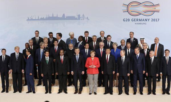 Trump a la orilla de la foto del G20 por protocolo - Noticias de angela merkel