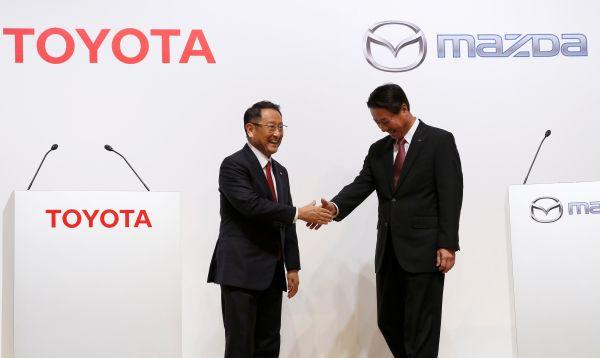 Toyota aumenta su influencia al reforzar sus vínculos con Mazda - Noticias de