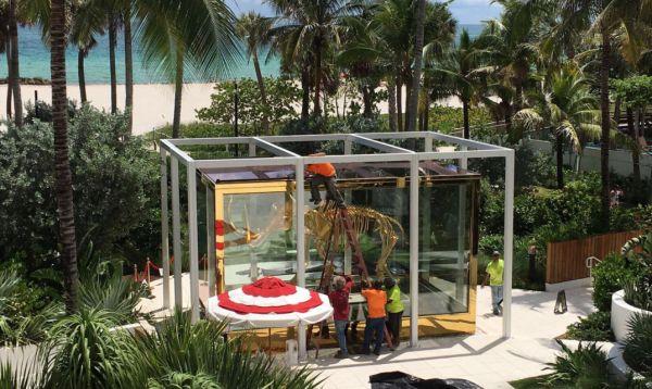 Ante llegada de Irma, lujoso hotel de Miami protege su escultura de mamut de US$ 17 mllns. - Noticias de